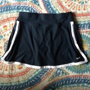 NIKE black microfiber athletic skort shorts XS (E9